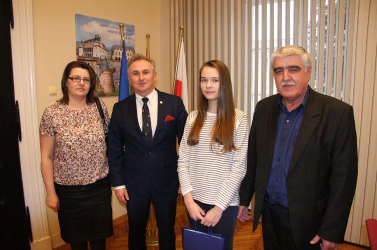 Maja Kurczy Ska Go Ciem Burmistrza Brzegu