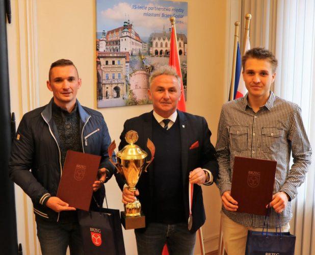 Kamil Karbowiak I Roman Zok Z Wizyt U Burmistrza