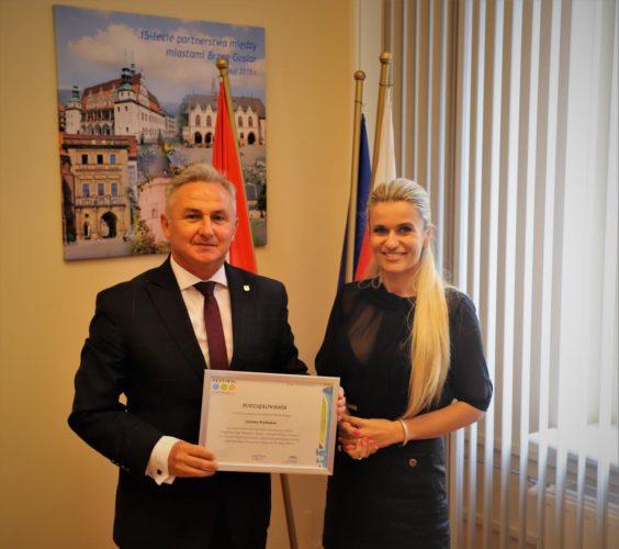 Organizatorka Festiwalu 3 Kotwice Z Podzi Kowaniami U Burmistrza