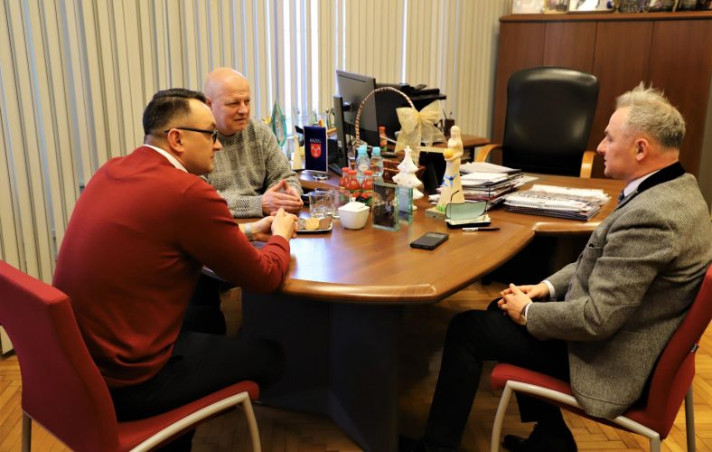 Spotkanie Z Przedstawicielami Zarz Du Brzeskiego Towarzystwa Pi Karskiego Stal Brzeg