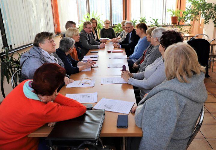 Spotkanie Z Przedstawicielami Organizacji Pozarz Dowych Reprezentuj Cych Rodowiska Senioralne