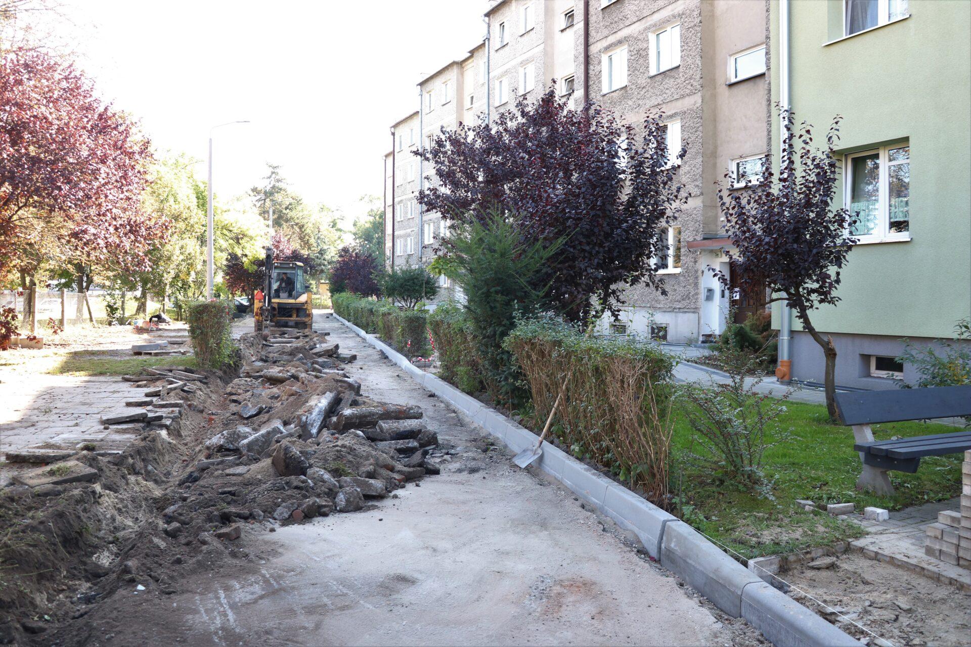 Przebudowywane podwórko przy ulicy Władysława Łokietka