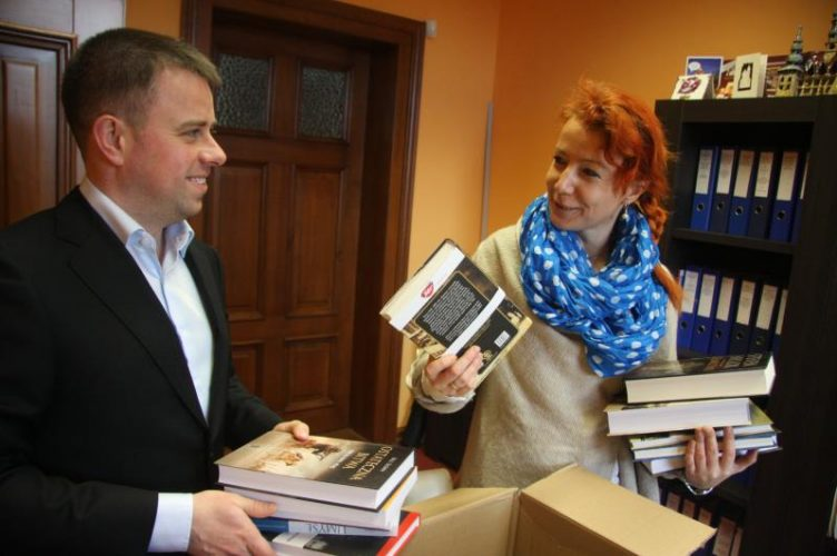Mi Y Prezent Dla Brzeskiej Miejskiej Biblioteki Publicznej